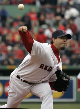 A four-day layoff for Seattle and bitter cold made conditions ideal for Josh Beckett, who gave up one run and two hits in seven innings of work.