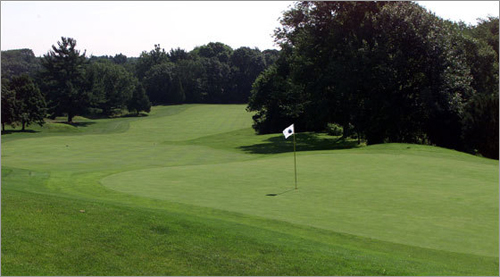 How do you decide the best golf holes in the New England area? Ask a famous golfer from New England of course! The Globe's Jim McCabe asked the cream of the crop to get their picks for the greatest holes. Take a tour of New England's pro favorites.