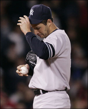 Andy Pettitte reacted to the fourth-inning home run.