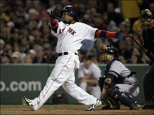 Manny Ramirez hits the 1st of 4 consecutive Red Sox home runs