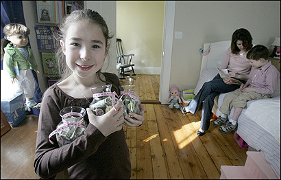 Gabrielle Ginn (with her mom, Ann-Marie, and brother, Alex) collects an allowance but asks, 'Shouldn't I have to do something to earn my money?
