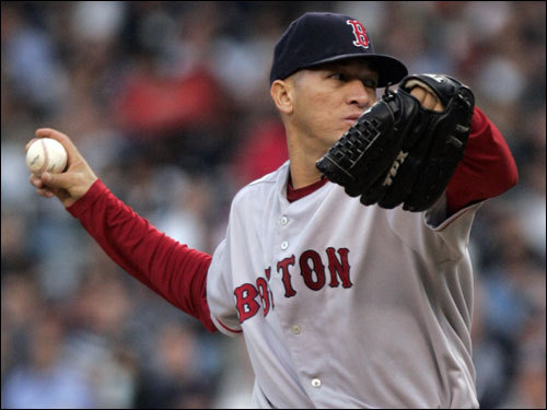 Red Sox starter Julian Tavarez delivered a pitch in the second inning.