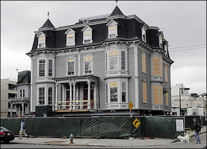 Ukrainian House is one of three buildings that are being moved as part of a Harvard construction project.