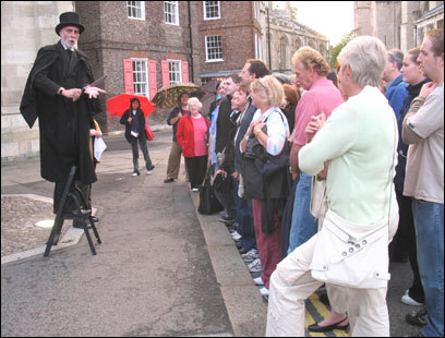 In York, Andy Dextrous organizes his Ghost Hunt around performed vignettes.