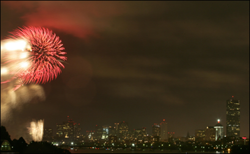 An estimated 350,000 people watched the fireworks display last night from the banks of the Charles River.