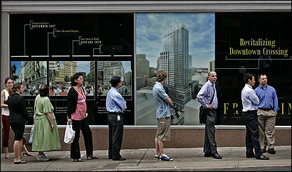 A mural offered a vision of Downtown Crossing's future to fast-food customers waiting in line on Franklin Street yesterday.