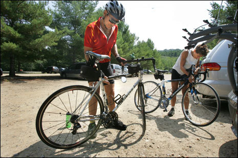 Bob and Sadj Bartolo of Maryland unload their bikes from their car at Ellacoya State Park.
