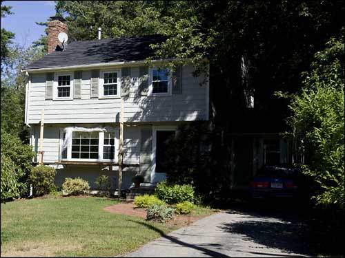 Four-bedroom Colonial Listed: June 9, 2006 for $449,900 On market: 8 months Sold for: $375,000