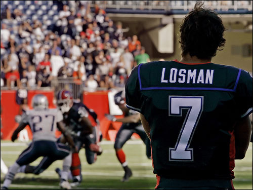 Losman injured his knee on the first series and missed the rest of the game.