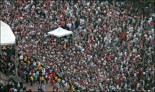 Fans descended on City Hall Plaza in Boston's Government Center Monday afternoon to celebrate the Red Sox and wish them luck in the playoffs.
