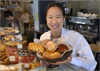 Owned and run by baker-extraordinaire Joanne Chang, Flour Bakery and Café on Washington Street offers all manner of scrumptious sweets and serves sandwiches, quiches, soup, pizza, and even dog biscuits for hungry pooches.