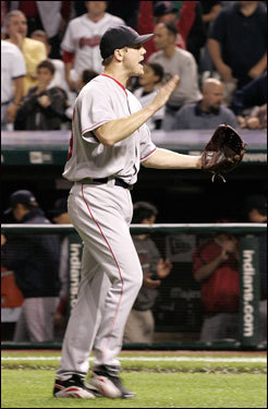 Jonathan Papelbon celebrated getting the final out in the ninth.