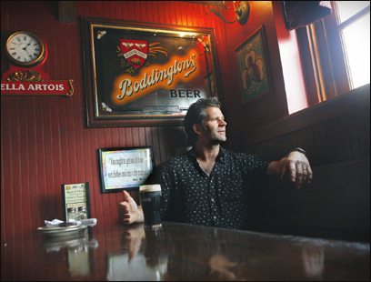 Andre Dubus III takes a break at Rosie O'Shea's pub and restaurant in downtown Newburyport.