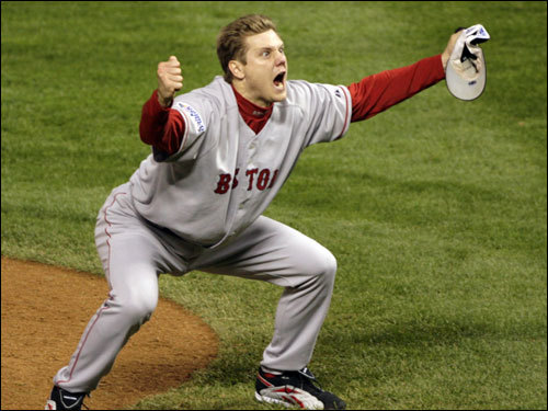 Jonathan Papelbon reacted to the Red Sox winning the World Series.
