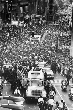 October 29, 1986: The scene along Tremont Street as the Red Sox parade headed toward Boston City Hall.