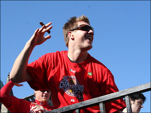 Holding a cigar and sporting an ear-to-ear smile, Papelbon danced on a flatbed truck that also carried Boston-based Irish-punk band Dropkick Murphys.