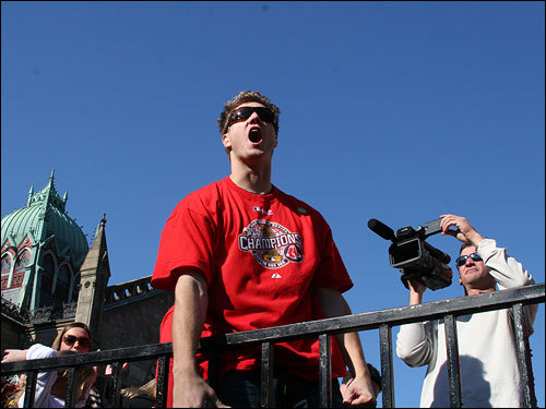 Although Papelbon initially received attention for his Irish jigs, he looked more like a rocker during today's parade, bellowing out to the crowd and employing an array of fist pumps and head-banging.