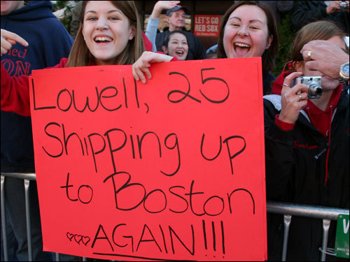 In addition to seeing Papelbon dance, the rest of the fans wanted to see the Sox re-sign World Series MVP Mike Lowell.