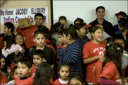 Ellsbury poses for a group photo with children from the Warm Springs Boys & Girls Club.