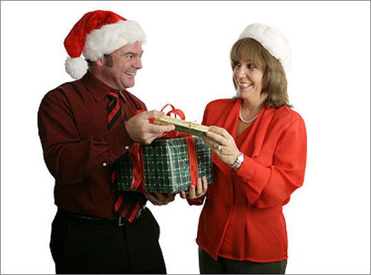 Give gifts privately Peter Post advises that if you want to give a gift to a co-worker and you're not giving gifts to other co-workers, give the gift privately away from the office. That way you won't be slighting the co-workers you're not exchanging gifts with.