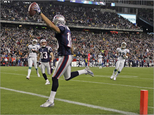 Patriots wide receiver Jabar Gaffney streaked into the end zone untouched on this 48-yard touchdown reception.