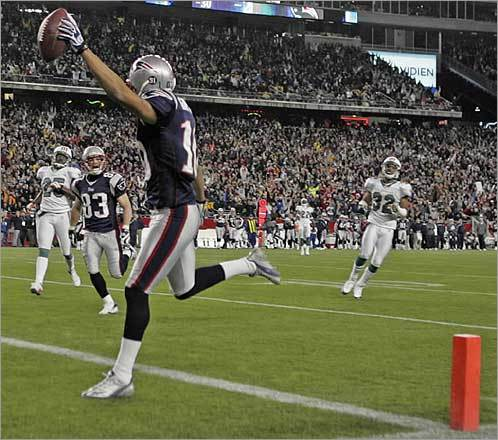 Jabar Gaffney crossed the goal line with a 48-yard touchdown reception in the second quarter of the Patriots' 28-7 win over the Dolphins.