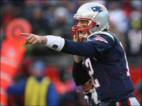Tom Brady made calls at the line of scrimmage in the first quarter.