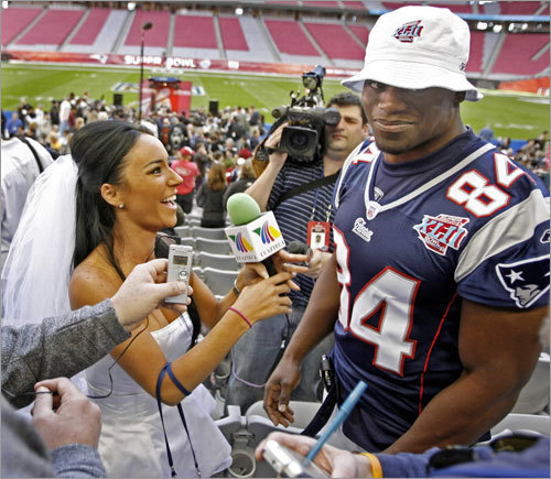 Ines Sainz was dressed as a bride for Media Day, before the Pats went 18-1