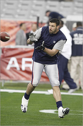 Mike Vrabel caught a pass during warmups.