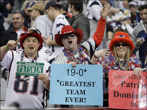 Patriots fans cheered before the start of the Super Bowl.