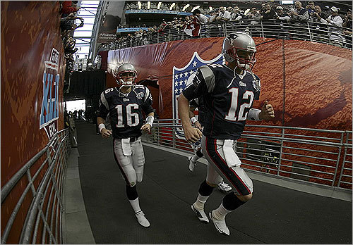 Patriots quarterbacks Tom Brady and Matt Cassel took the field in Glendale, Ariz.