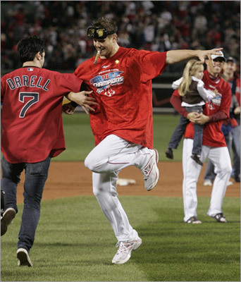 The Big Jig (8 percent of the vote) When Papelbon does the Sox jig, The fans know he's done something big, While his ERA's dropping, And his feet keep a'clopping, The team is one we can all dig. - from pomtiques