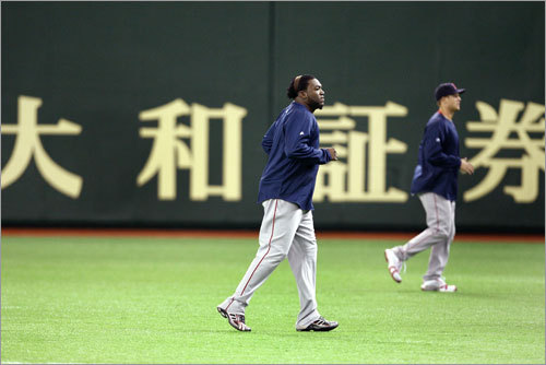 David Ortiz and Jonathan Papelbon are in step as they take to the field Friday for the first workout in Japan at the Tokyo Dome.