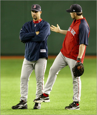 Tim Wakefield and Sean Casey in the outfield at the Tokyo Dome.