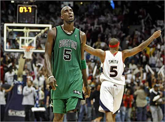 As the final seconds of Game 3 ticked off the clock, Celtics No. 5 Kevin Garnett and Hawks No. 5 Josh Smith had very different reactions.