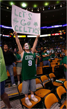 In addition to the face paint, LaBallee also had a sign to cheer on the Green.