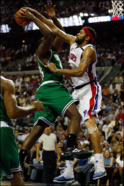 Kendrick Perkins (left) had his shot blocked by Rasheed Wallace (right) in the second half.