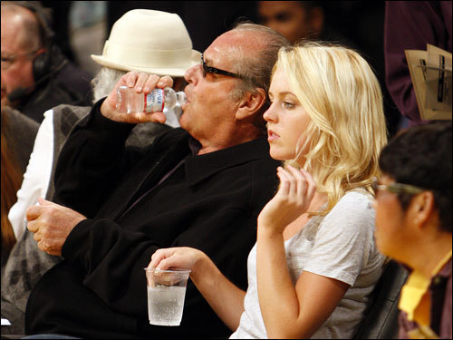 Actor Jack Nicholson was in his usual courtside seats at the Staples Center for Game 3 with daughter Lorraine. Stars come out, LA style