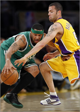 Eddie House tried to force his way past Laker Jordan Farmar in the fourth quarter. House knocked down a pair of 3-pointers off the bench.