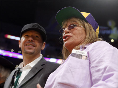 Actor and Celtics fan Donnie Wahlberg (left) stood with director Penny Marshall (right) prior to tip off.