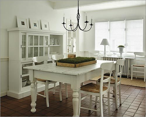 Road to the white house the boston globe for Painted dining room furniture