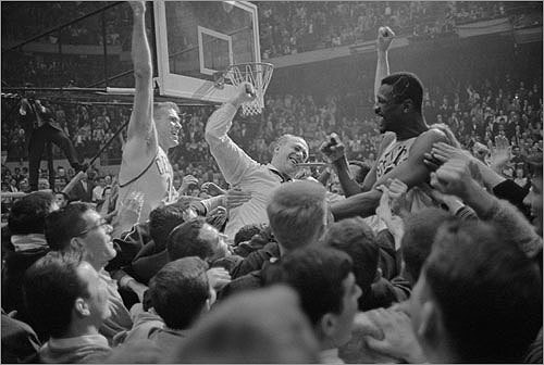 1963-1964 The 1963-64 Celtics relied on defensive dynamos KC Jones and Bill Russell, who led the league in rebounds, to fill Bob Cousy's shoes after his retirement in 1963. Sixth man John Havlicek led the team in scoring with 19.9 points per game, as the Celtics had five players averaging more than 10 points per game and three more over eight. They finished the season with a league-leading 59 wins, and an NBA championship over the San Francisco Warriors.