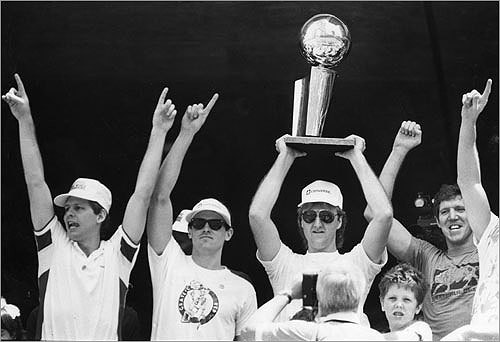 1985-1986 The 1985-1986 Celtics went 67-15 in the regular season and lost only three games on their way to their 16th NBA Championship. Larry Bird was again regular season and NBA Finals MVP, throwing down a triple-double in the clincher. From the start of the season to the end of the playoffs, the Celtics went a jaw-dropping 50-1 at home.