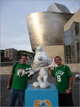 Vicente and Andoni sent the Celtics good wishes from outside the Guggenheim Museum in Bilbao, Spain. Muchas gracias, amigos. Send us your Celtics fan photos!