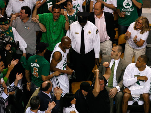 Celtics fans erupted as Ray Allen returned to the court after leaving with an injury.