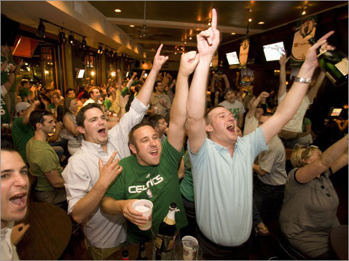 Fans at a local sports bar watched the final minutes of the Celtics' Game 6 victory over the Lakers.