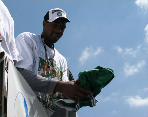 NBA Finals Game 2 star Leon Powe gets ready to roll through the streets of Boston.