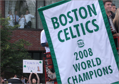 Celtics fans showed their appreciation for Banner No. 17.
