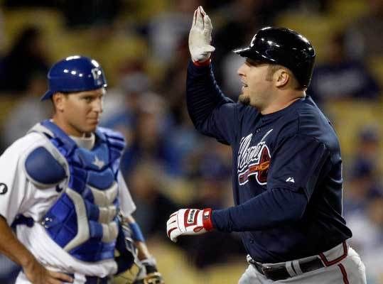 Eric Hinske OF/1B, Atlanta Braves The 2002 AL Rookie of the Year played 31 games with the Red Sox in 2006 after coming over from the Blue Jays, then saw action in 84 games in 2007 as a role player on the World Series championship team. Hinske signed with the Braves in 2010 as a free agent and batted .256 with 11 homers in 131 games. The Braves recently picked up his option for '12 after he hit .233 with 10 homers in 236 at-bats last year. He's hitting .246 with one home run and eight RBIs in 69 at-bats in 2012.