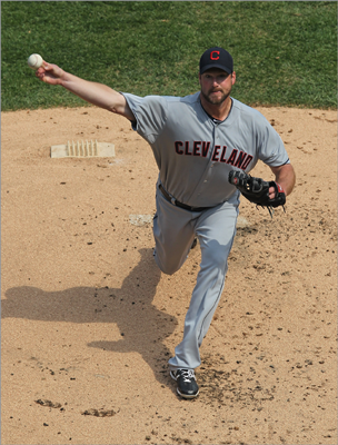 Derek Lowe SP, Cleveland Indians Lowe pitched well in a variety of roles during his time with the Red Sox, but he'll be remembered for his performance in the 2004 postseason, when he got the win in the clinching games of the 2004 Division Series (as a reliever), ALCS, and World Series. Lowe, who also has pitched for the Dodgers and Braves, struggled last season in Atlanta (a league-worst 17 losses and a 5.04 ERA) and was traded on Oct. 31 to the Indians. Lowe is 6-3 with a 3.25 ERA in 61 innings so far in 2012.
